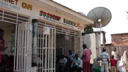 Barber in Tanzania2